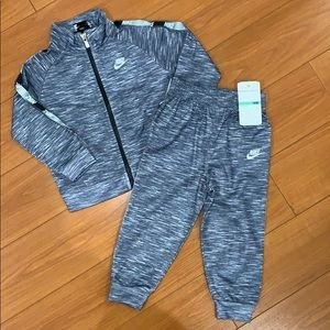 NWT Nike Boys Set